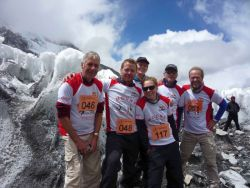 Everest Marathon: Runners enjouying good weather at Everest Basecamp